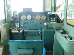 8100系運転台