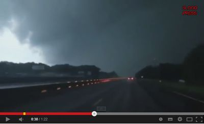 アメリカで幅800メートル級の大竜巻トルネードが中南部で相次ぎ発生