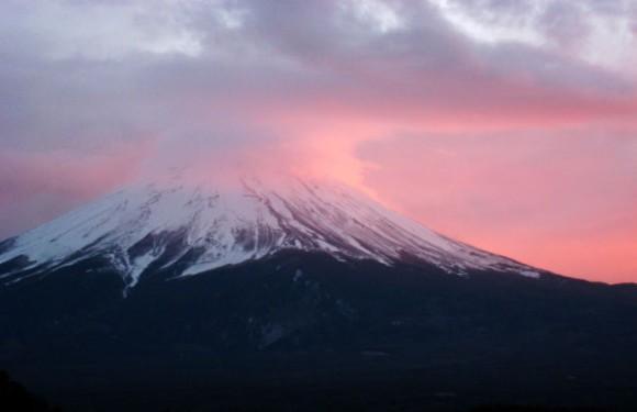 東日本大震災後、富士山内部の圧力上昇し臨界状態に(フランス・日本共同研究)