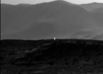 キュリオシティが火星で謎の「光」を発見? また、4月14日夜には火星が大接近!天気次第では肉眼でも観察可