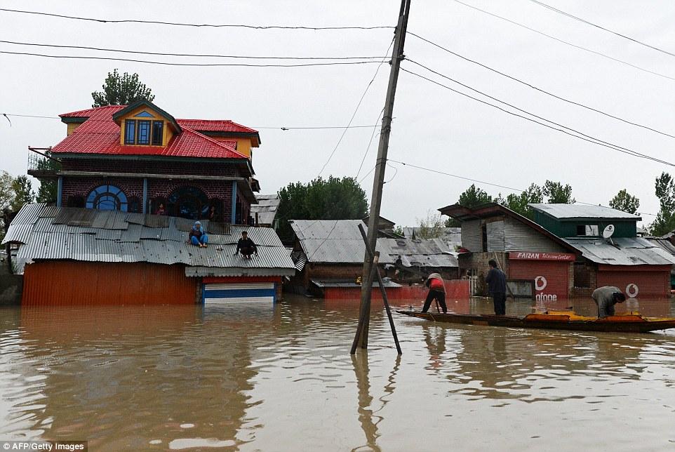 インドとパキスタンで大洪水や土砂崩れ相次ぐ…被害はさらに拡大か