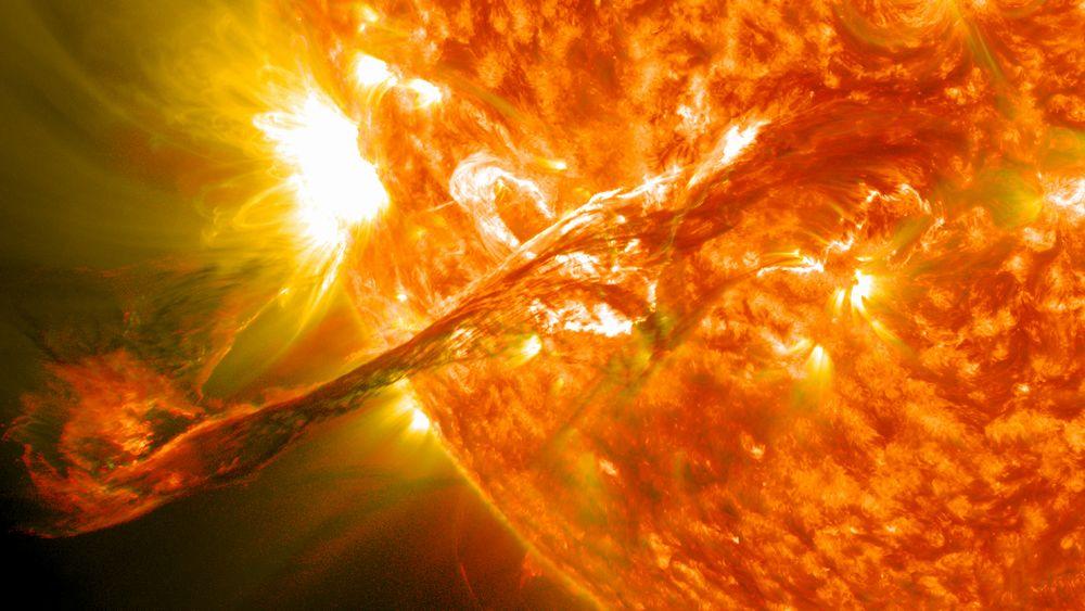 【終焉】 爆発的な太陽フレアか、NASAの科学者が警告…電力・通信・GPSは壊滅し人類は「暗黒時代」へ突入か