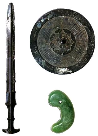 【三種の神器】 両陛下、伊勢神宮参拝へ 草薙の剣・八咫鏡・八尺瓊勾玉が揃うことに