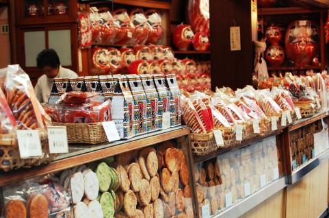 【防災】 草加せんべい非常食に 東日本大震災で需要 塩味で長持ち