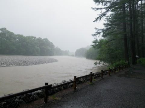 日本にスーパー台風が上陸する!日本近海の海面水温が高いため、9月以降巨大台風襲来か