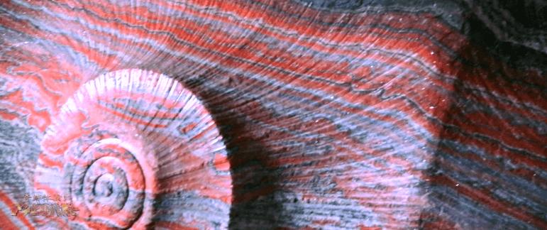 【絶景】7色に輝く洞窟2