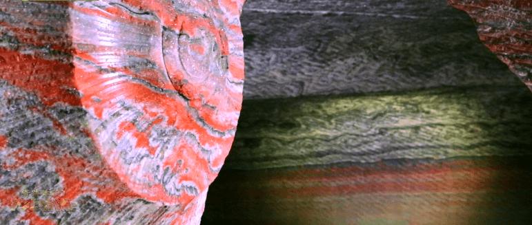 【絶景】7色に輝く洞窟4